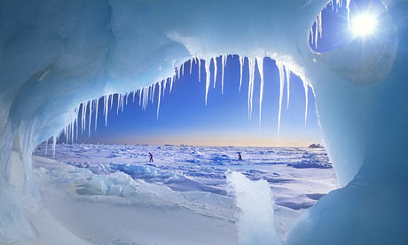 Arctic-ice-cave-001
